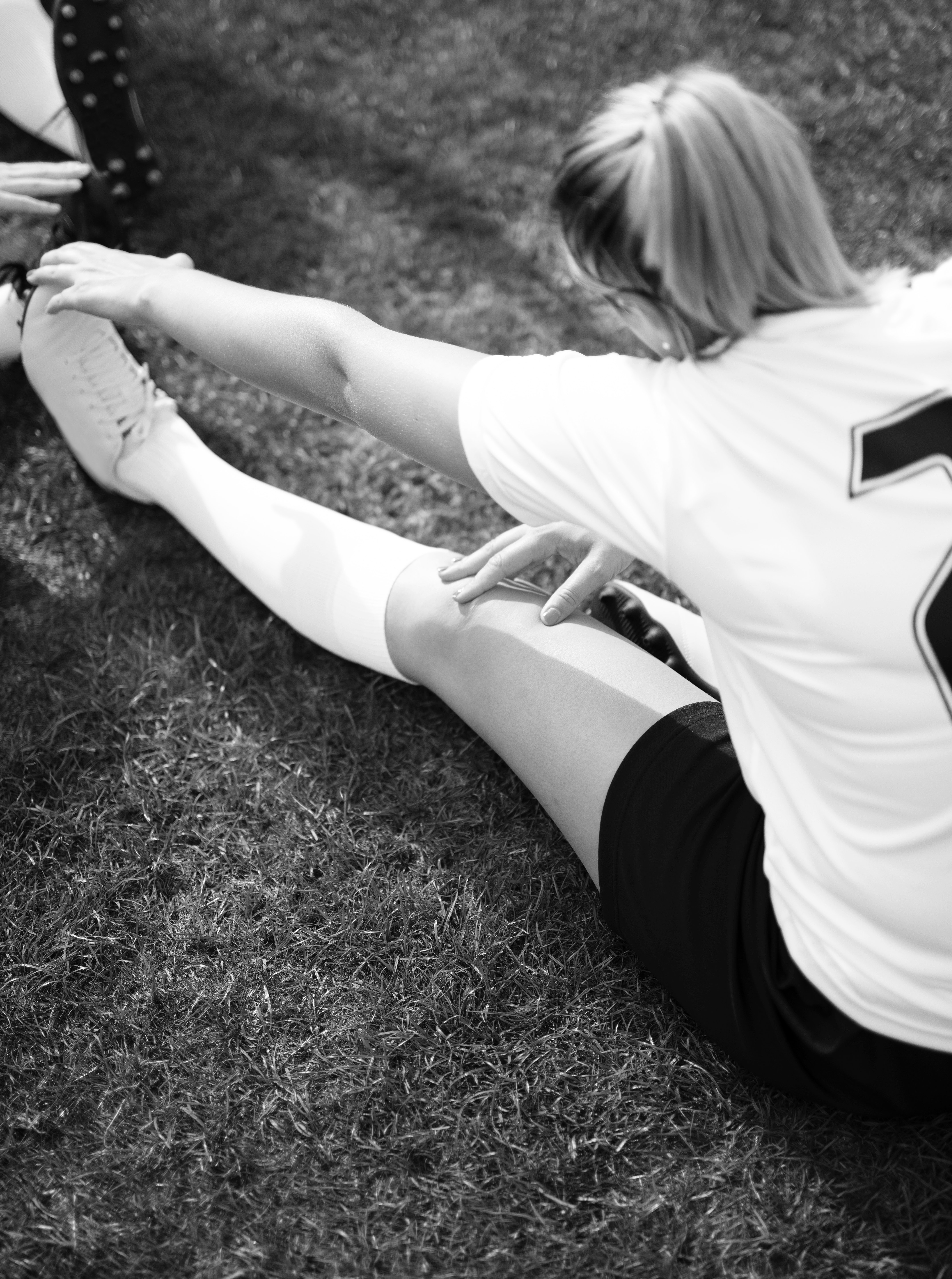 adult-athlete-black-and-white-1594936